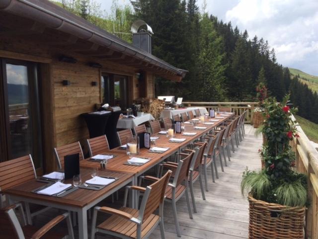 Cuisine-Lifestyle - gedeckter Tisch