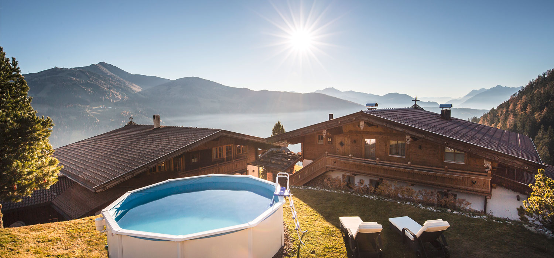 Sascha Zelölinger - Privatkoch, Mietkoch für Chalet und Lodge - Partnerbetrieb Bischofer Alm Alpbach/Tirol - Ausblick mit Pool