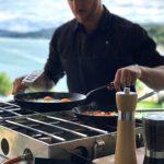 Cuisine Lifestlye - Sascha Zellinger mit seiner mobilen Küche von Camp Champ im Einsatz - Spiegelei